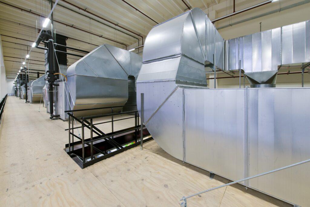 Hercuton realiseerde het state-of-the-art EMEA distributiecentrum met loft kantoor van Hitachi Vantara in Zaltbommel - techniek