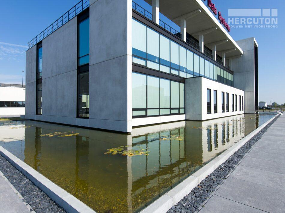 Hercuton realiseerde het state-of-the-art EMEA distributiecentrum met loft kantoor van Hitachi Vantara in Zaltbommel