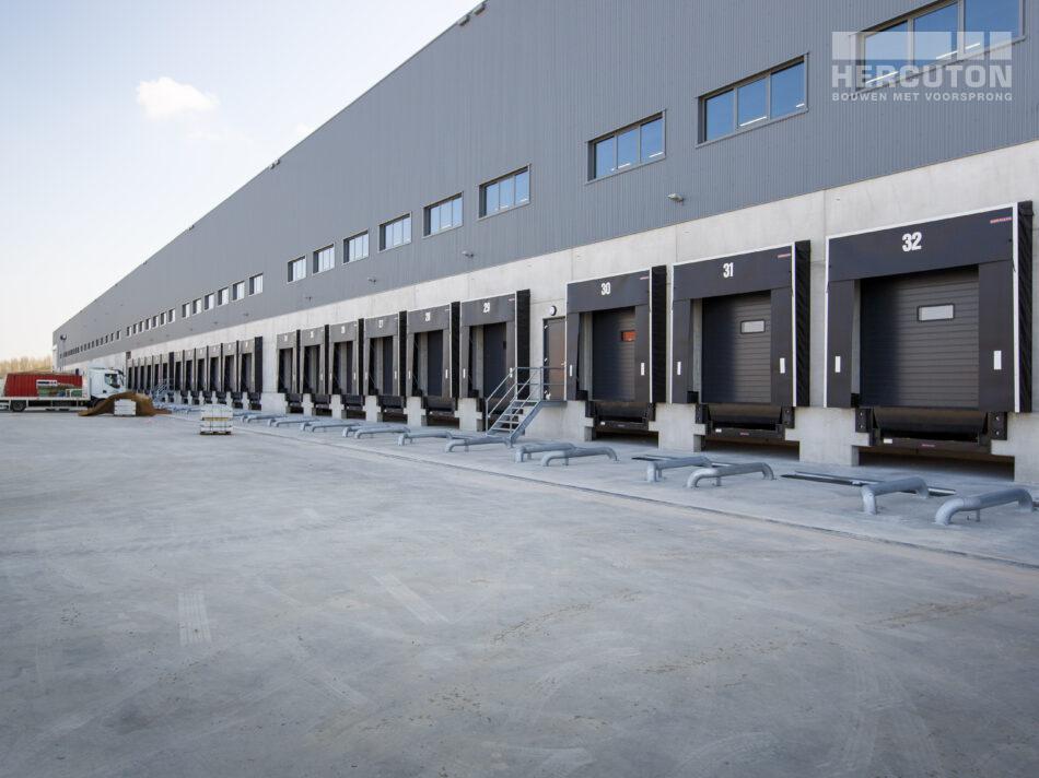 Laaddocks Nieuwbouw distributiecentrum Dordtse Kil III